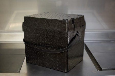 1/2 GN Box with handle